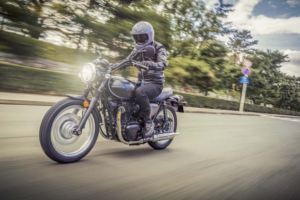 Kawasaki W800 Street e W800 Cafe: la veloce sintesi di una tradizione dal 1965 [VIDEO]
