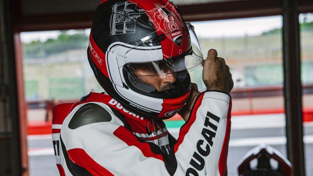 Casco Ducati Corse V3: stile, tecnica e sicurezza [FOTO]