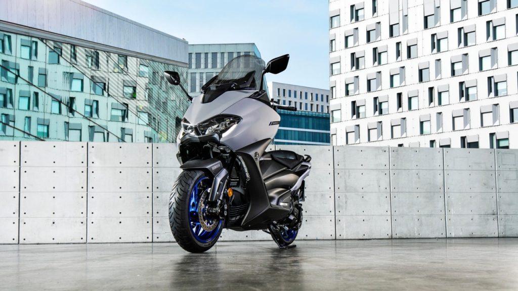 Yamaha: tra gli esemplari di EICMA 2019 il nuovo TMAX 560 e la potente YZF-R1 [VIDEO LIVE]