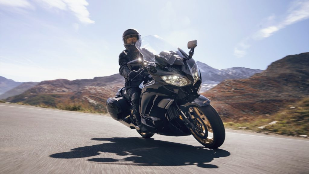 Yamaha FJR1300AS e FJR1300AE Ultimate Edition - foto