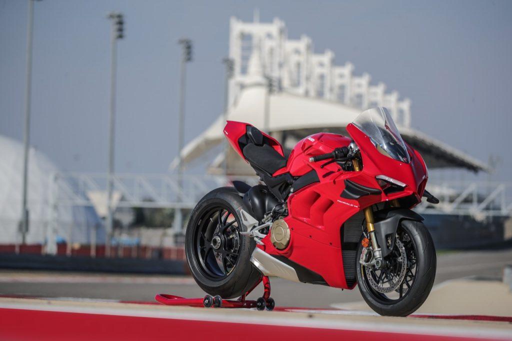 Ducati Panigale V4 2020: la vorace progressione della nuova supersportiva [VIDEO]