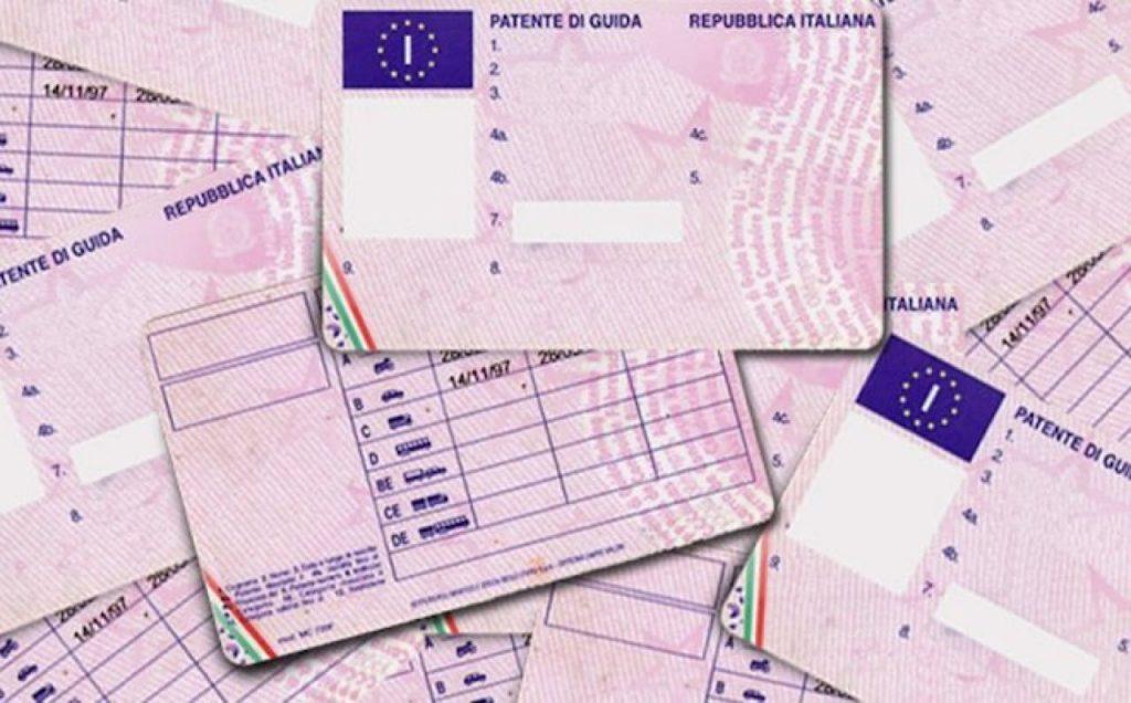 Patenti di guida: prorogati i termini per svolgere gli esami