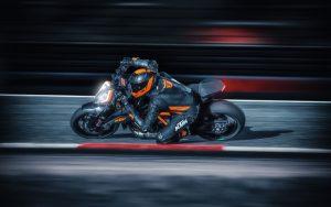 """KTM 1290 Super Duke R: immagini dal lancio internazionale della nuova """"Beast"""" [VIDEO]"""
