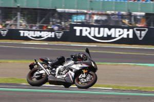 Triumph Daytona Moto2 765 Limited Edition: esemplare di una stirpe ad alte prestazioni [VIDEO]