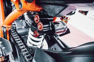 KTM 1290 Super Duke R e 890 Duke R: WP Suspension introduce nuove soluzioni