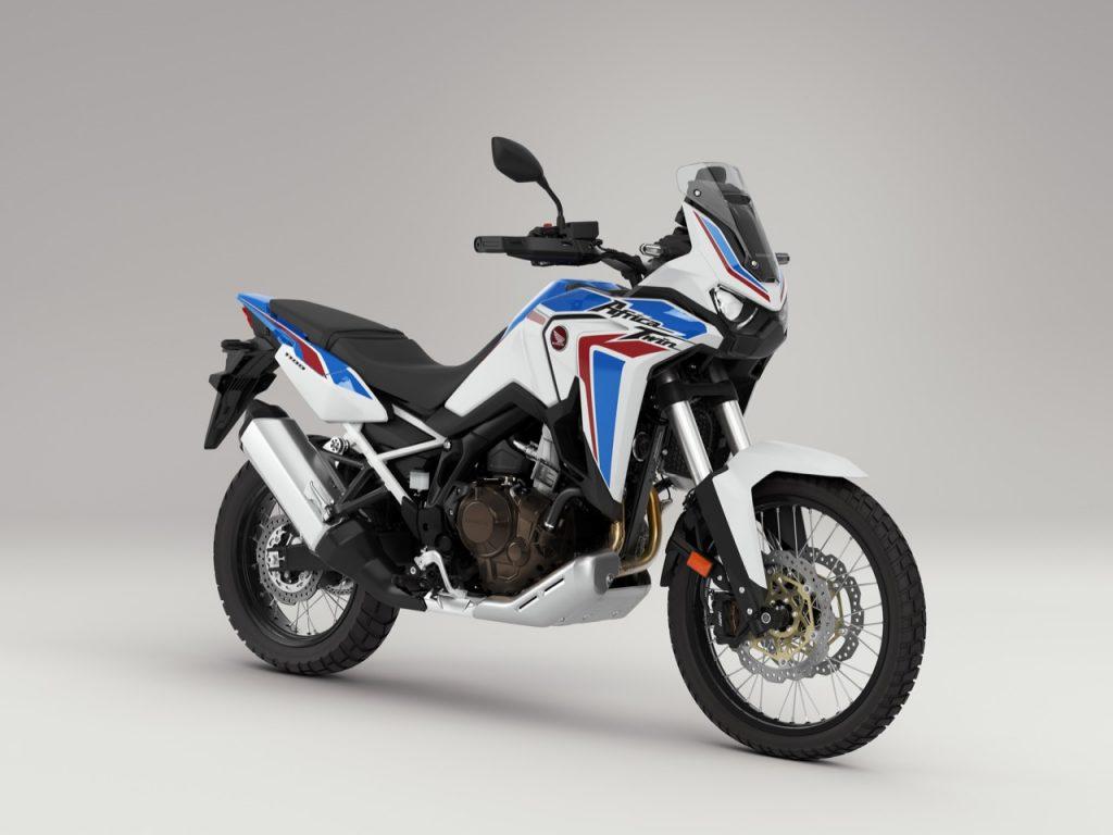 """Honda CRF1100L Africa Twin in veste """"Tricolour"""", aggiornamenti e omologazione Euro 5 per CB650R e CBR650R"""
