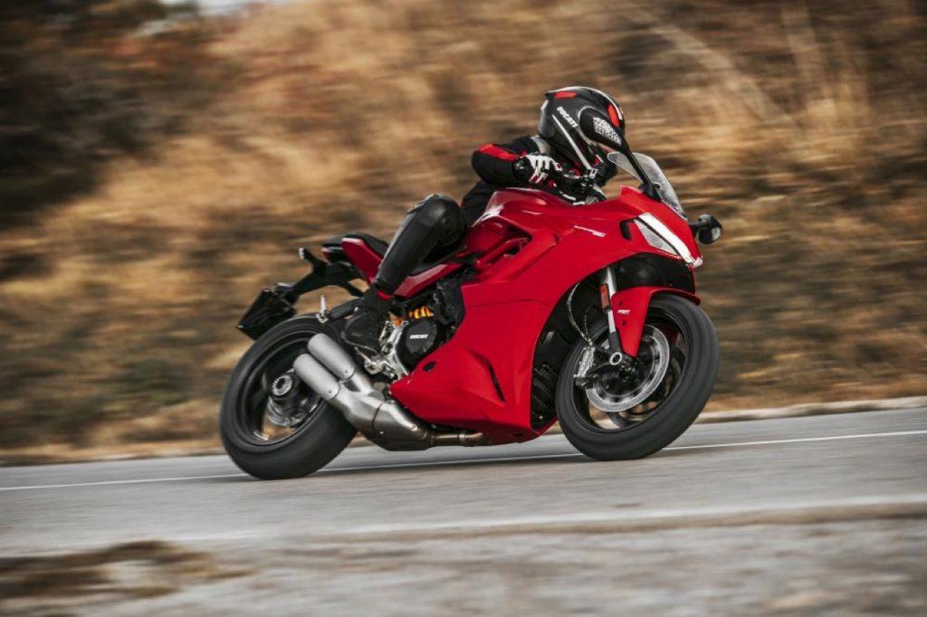 Ducati SuperSport 950 2021 - foto