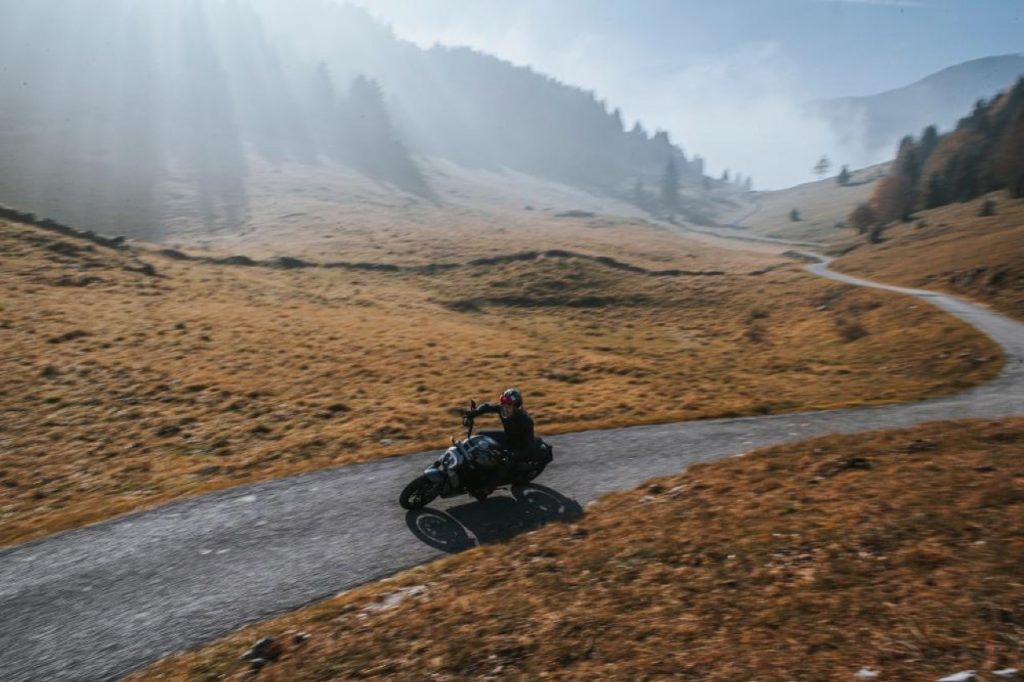 Ducati XDiavel: le nuove espressioni Dark e Black Star [VIDEO]