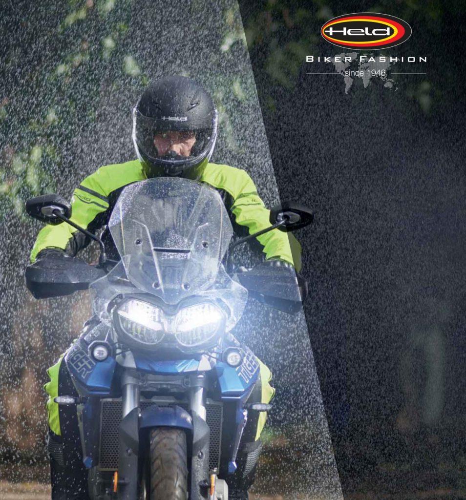 Held Rainstretch Top e Base: un completo per continuare a viaggiare anche in caso di pioggia