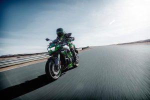 Kawasaki: varie forme di attitudine sportiva [FOTO]