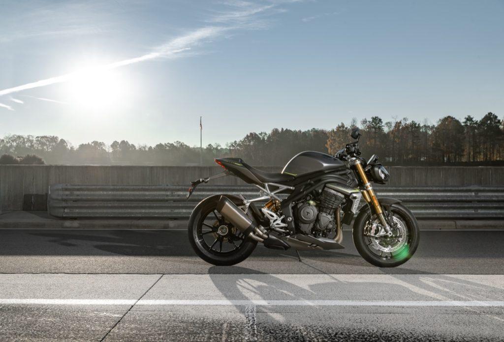 Triumph Speed Triple 1200 RS: una nuova potente definizione sportiva [FOTO]
