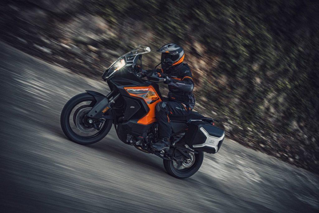 KTM 1290 Super Adventure S: focus sull'evoluta tecnologia sospensiva [VIDEO]
