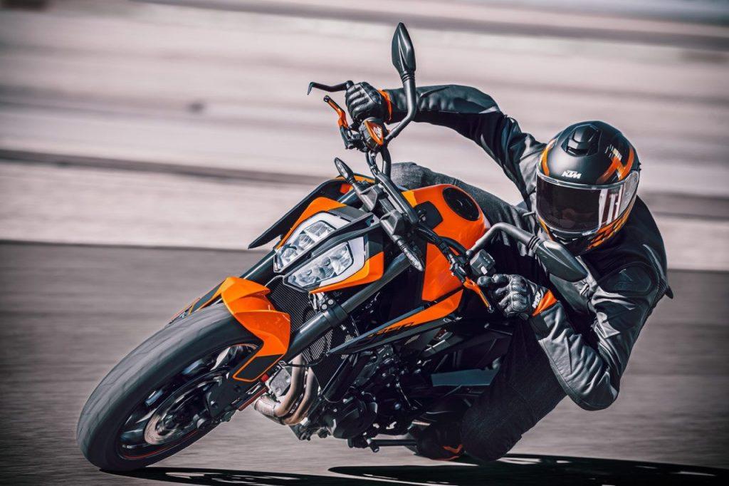 KTM 890 Duke: un nuovo esempio di agilità e prestazioni [VIDEO]