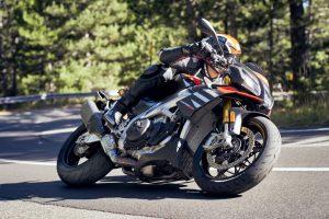 Pirelli Diablo Rosso IV: caratteristiche e grip per prestazioni elevate [FOTO]