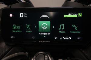 BMW R 1250 RT: l'interazione con un nuovo display TFT da 10,25 pollici [VIDEO]