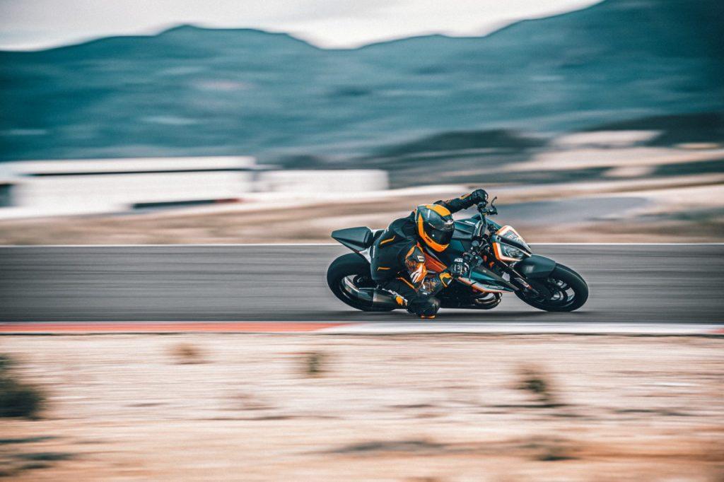 KTM 1290 Super Duke RR: un riassunto delle caratteristiche [VIDEO]