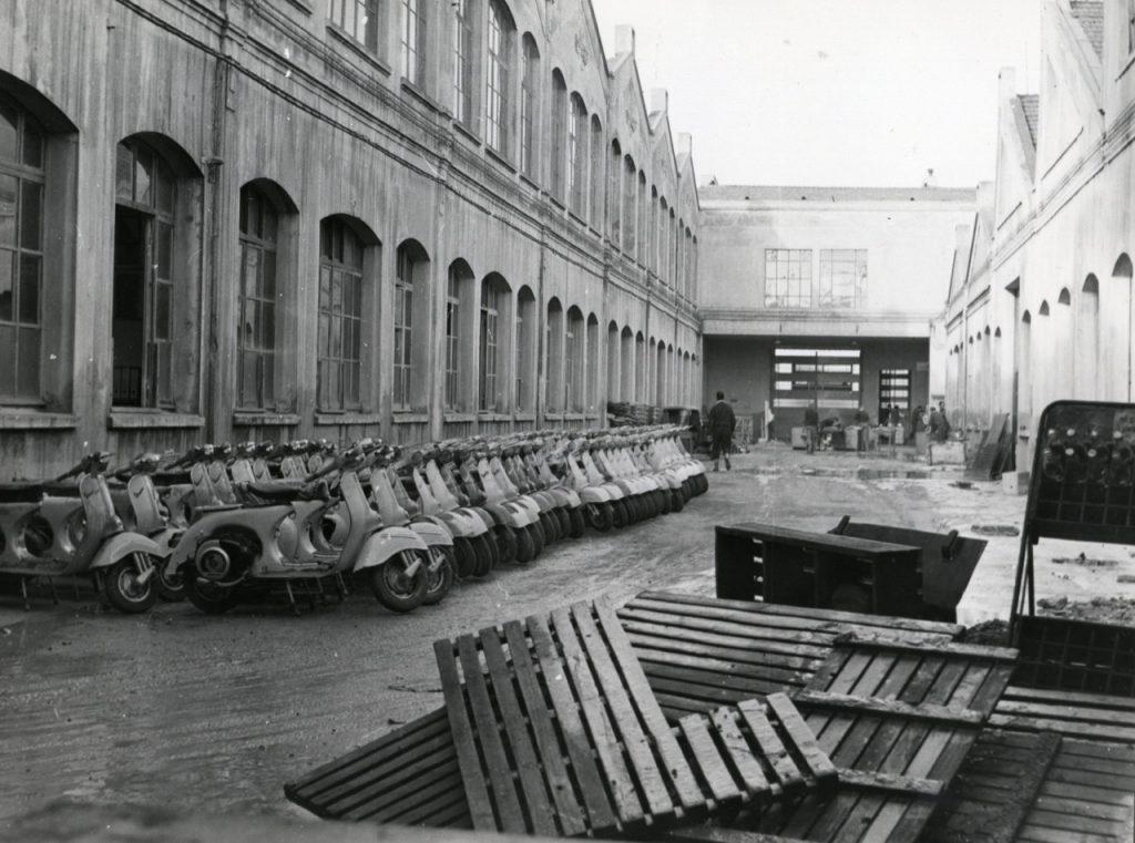 Vespa: una storia di stile e dinamismo dal 1946 [FOTO]