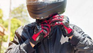 Sicurezza in moto: scegliere le protezioni corrette