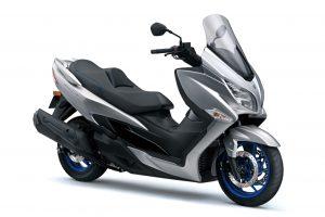 Suzuki Burgman 400: l'ingresso nel listino del nuovo scooter con omologazione Euro 5 [FOTO]