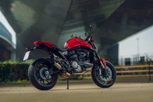 Ducati Monster: il nuovo modello e le prime impressioni di tre giovani appassionate [VIDEO]