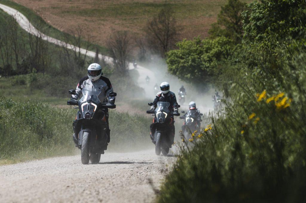 KTM Adventure Roadshow 2021: un primo appuntamento sulle strade attorno al tracciato del Mugello [FOTO]