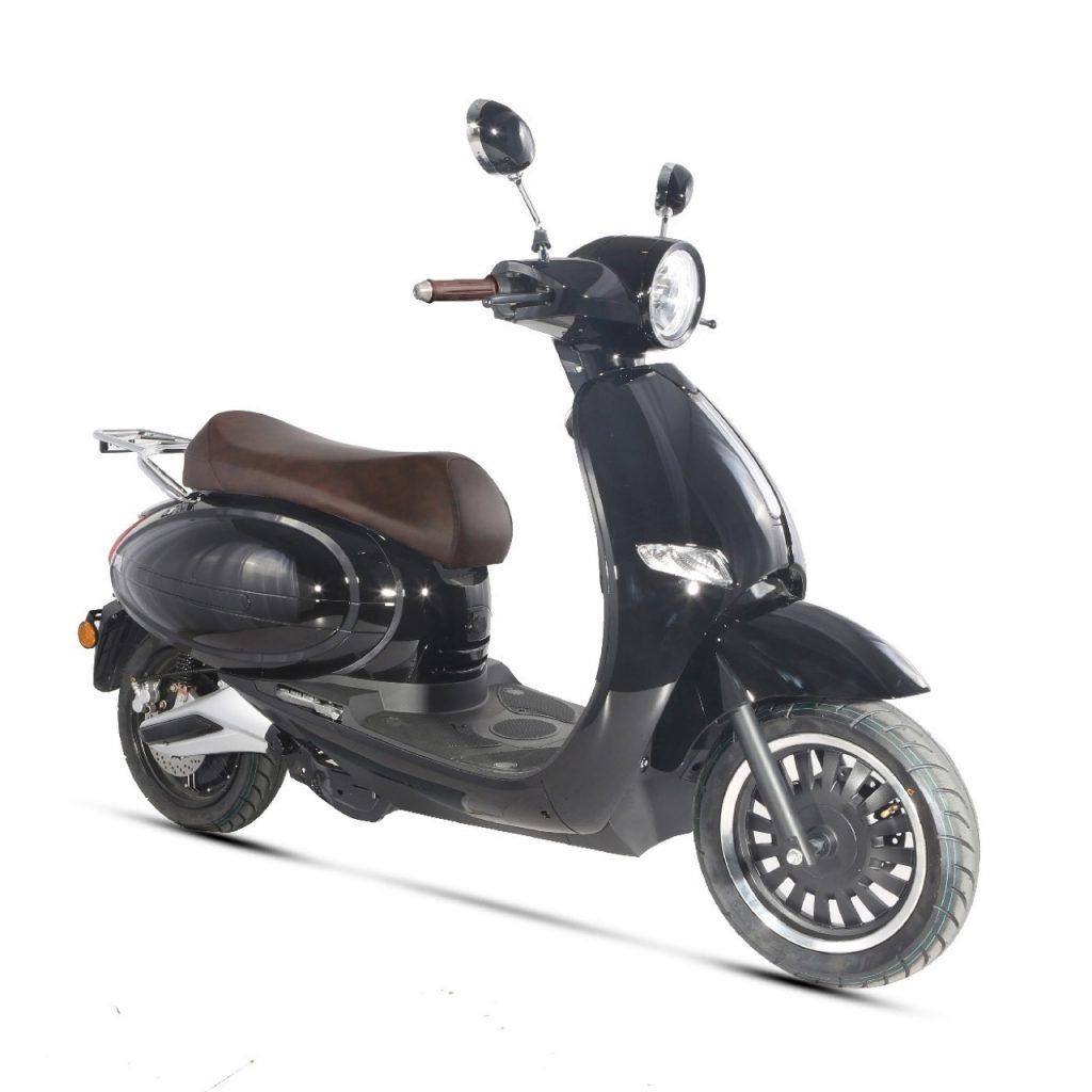 Norauto: lanciato il nuovo scooter elettrico Wayscral E-Quip 45