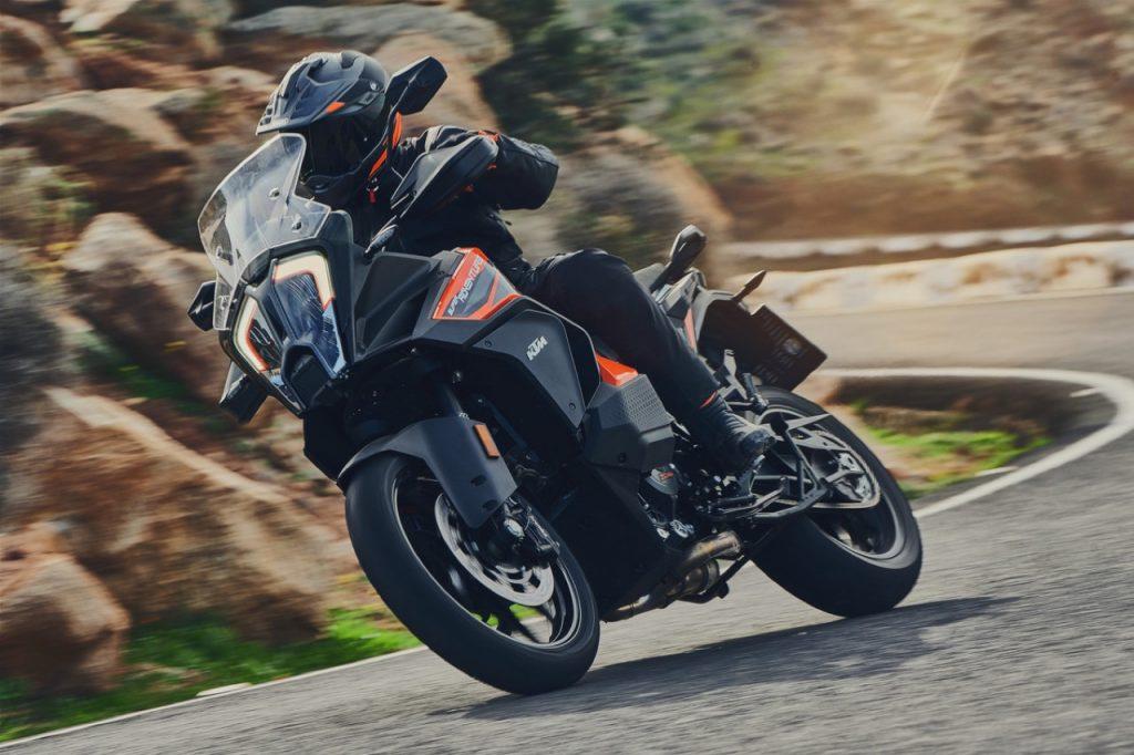 KTM, World Adventure Week: un'avventura e in palio una nuova KTM 1290 Super Adventure S [FOTO]