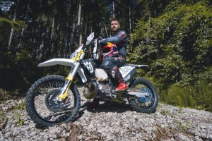 Husqvarna Motorcycles: il campione di sci Marcel Hirscher al Romaniacs Hard Enduro Rallye