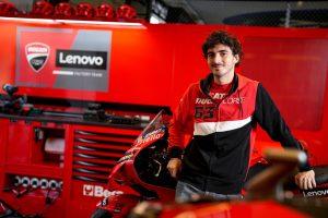 Ducati, GP Team Replica 21: una linea di abbigliamento per i tifosi del marchio [FOTO]