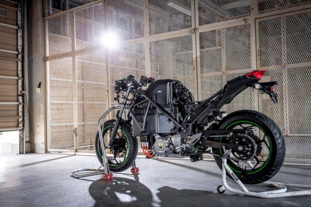 Kawasaki: una nuova società, dieci motociclette elettriche o ibride entro il 2025